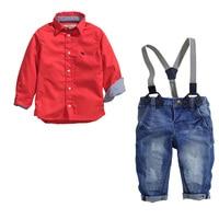 Bambini di modo del ragazzo dei vestiti dei ragazzi vestiti set a maniche lunghe camicia rossa + cinghia di spaghetti salopette jeans del neonato abbigliamento per bambini set