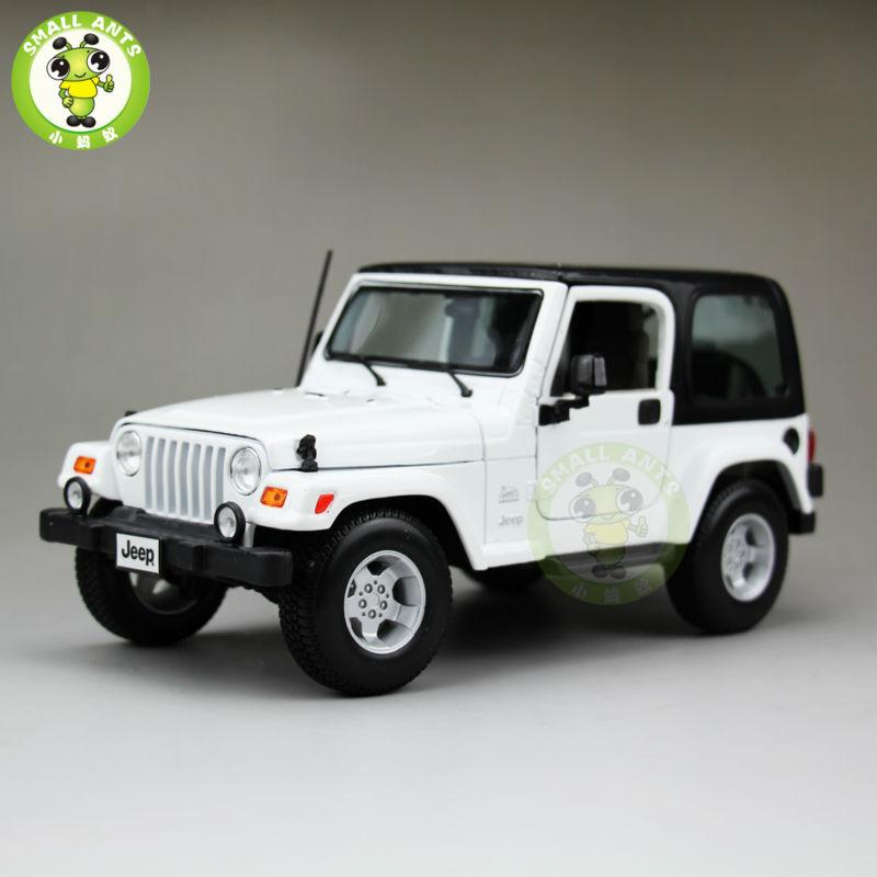 1:18 Scale Jeep Wrangler Sahara Diecast Car Suv Model Maisto 31662 White&Black white 1 18 scale lexus rx200t rx 200t suv luxury collection diecast model car aluminum