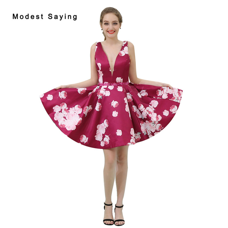 Sexy Drak Red V Neck Beaded Floral Print Short   Cocktail     Dresses   2017 Girls Formal Homecoming Prom Gowns vestidos de coctel B042