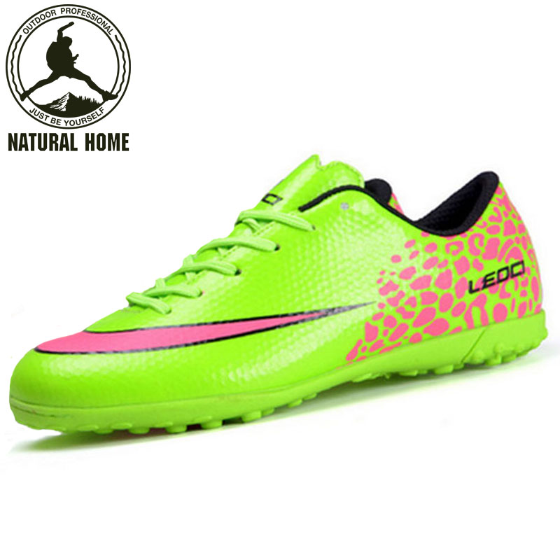 ФОТО NaturalHome Football Boots Indoor Soccer Shoes Men 2017 Boys Girls Football Man Boot Botas De Futbol Men' Athletic Shoes