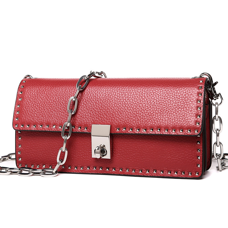 2018 new rivet small square package Europe and the United States shoulder diagonal package leather bag handbag mobile phone bag the new winter handbags in europe and the tide crocodile grain female bag brand shell package one shoulder inclined shoulder bag