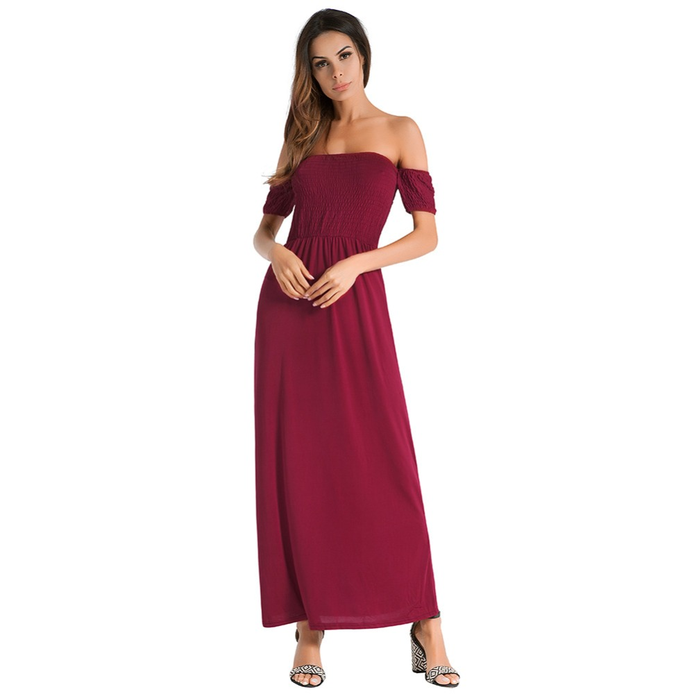 A one-word neckline with a bare shoulder gown with a pure color, short sleeves and a sexy padded dress