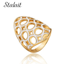 Chic Geometric Round Hollow White Ring Fashion Gold Color Alloy Ring For Women Party Wedding Gift Bohemian Jewelry chic rhinestone faux emerald round ring for women
