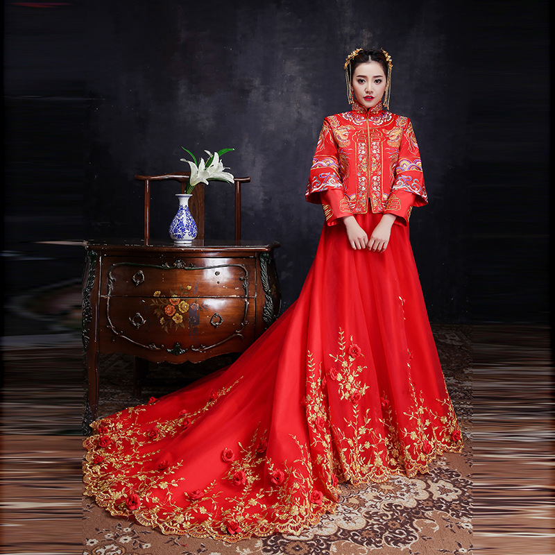 Mariée rouge fil d'or broderie Dragon Phoenix Tailing mariage Qipao traditionnel chinois robe longue Cheongsam Vintage Xiu He