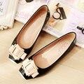 Лето новое прибытие 2017 лакированная кожа моды сладкий обувь одного стороны пряжки плоские 34-43 женщины плюс размер обувь