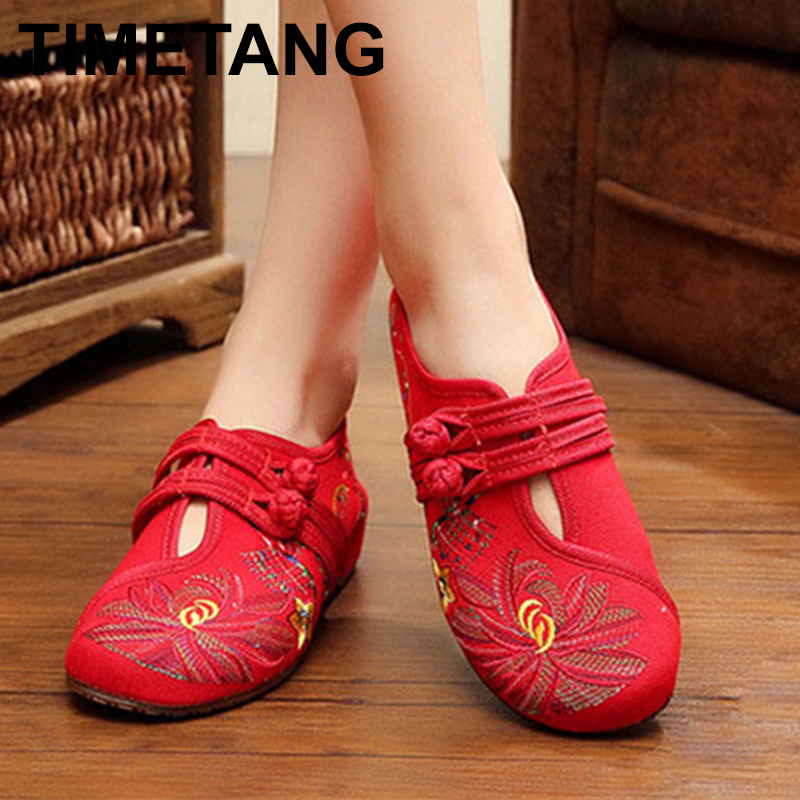 TIMETANGNewChinese Style SpringSummer Fashion Women Flat Old Peking Lotus Flower Embroidered Shoes Soft SoleComfortable FlatE282 new chinese style 2018 spring summer fashion women flat old peking lotus flower embroidered shoes soft sole comfortable flat