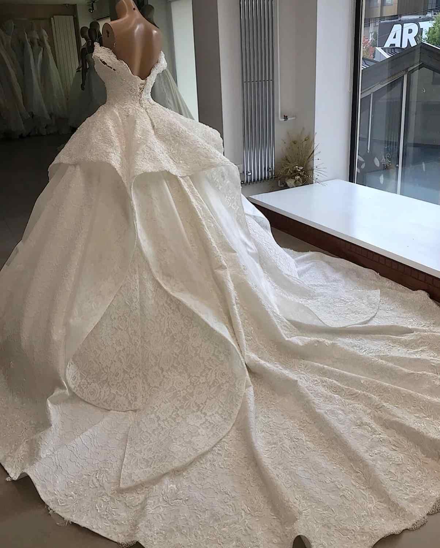 Luksusowe dostosowane koronka frezowanie suknia ślubna 2019 Sweetheart Off The Shoulder Lace Up suknie ślubne sąd pociąg Robe De Mariee