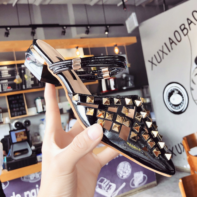 2018 fashion Hollow slides woman shoes designer luxury brand rivets pointed toe mules ladies sandals women medium heel shoes