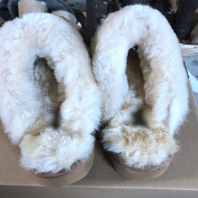 Road Track Winter Family Plus Size Female Suede Leather Warm Fur Inside Unisex Slippers High Quality Solid Plush Fur Slippers