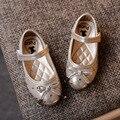 2017 primavera novas crianças de couro de patente shoes meninas flats simples shoes para meninas da criança do bebê dança shoes rivet shoes