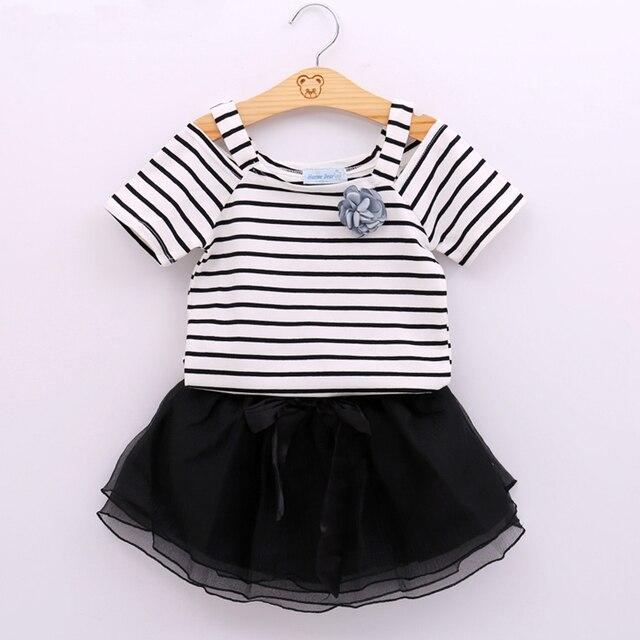 5aab47f83c5a2a R$ 28.87 45% de desconto|Verão Novo Bebê Meninas Roupas Colete Despojado T  Shirt Top + Saia Preta Conjunto Vestido Da Menina Design de Moda Roupa ...