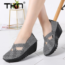 TKN جديد 2019 الربيع النساء أحذية منصة النساء الانزلاق على عارضة يدوية أحذية منسوجة صندل خشبي الأحذية احذية نسائية أحذية 833