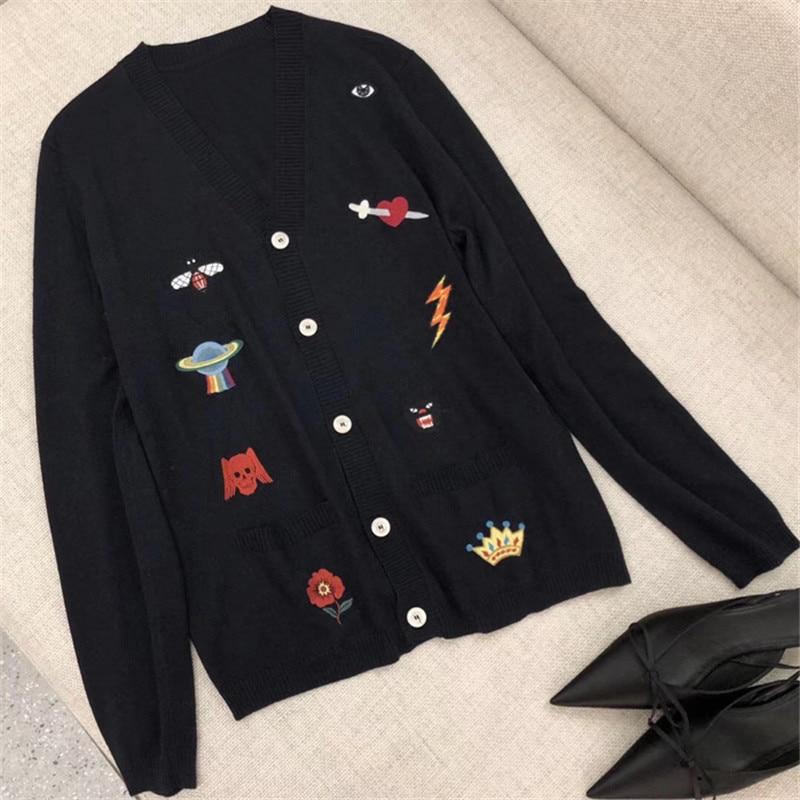 Sweater Jacket for Women Long Sleeve V-neck Fashion Retro Polyester Lady Coat 2018 New Elegant Women Jacket