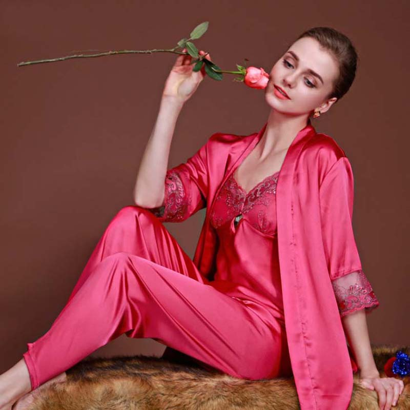 Top Grade Beand New Womens Silk Sleep & Lounge Embroider Three-piece Suit Sexy Lingerie Classic Nightgown Sleepwear Pajama Sets