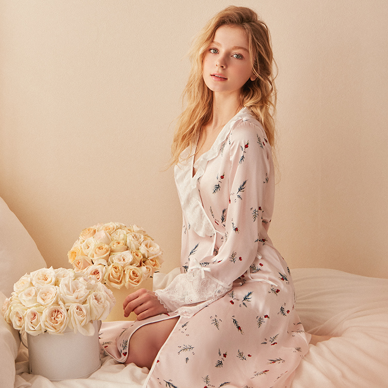 Free Shipping 2019 New Spring Women's Flower Robe Lace Sleepwear Vintage Princess Sateen Thin Nightgown