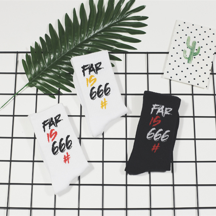 666 European and American street tide   socks   Men and women in tube   socks   Harajuku letter couple   socks