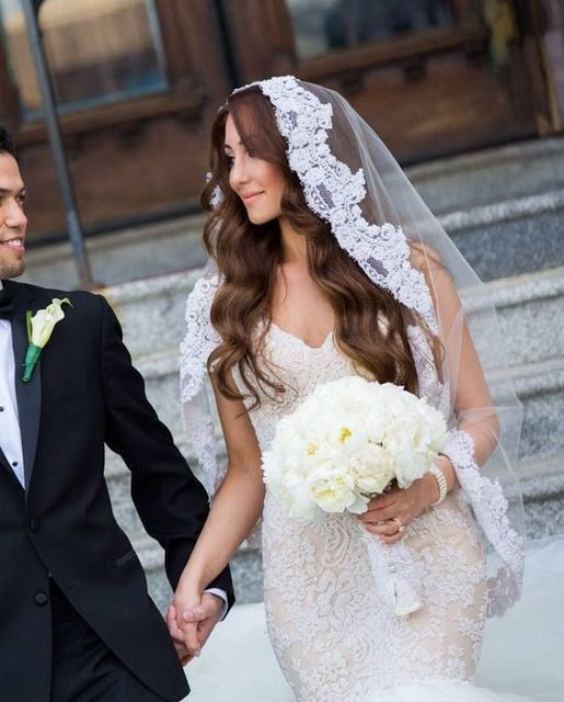 High Quality Wedding Veils One Layer Head Long Tulle Bridal Veil Custom Mantilla Applique Edge Fingertip Length Wedding Veil V83