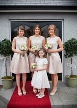 free shipping 2015 new Fashion a-line lace knee-length short bridesmaid dresses white pink satin sleeveless party gown