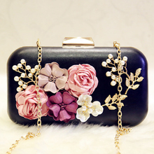 купить Black Floral Pearl Women Evening Bag 2018 Fashion Women PU Leather Evening Bag Dinner Party Lady Wedding Flower Clutch Bag Purse по цене 1399.67 рублей