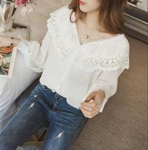2018 Spring New Arrival Sweet V Neck Floral Hollowed White Lace Blouse Long Sleeve Lace Stitching Women Shirts Free Shipping