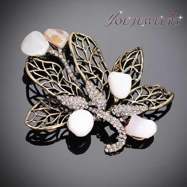 IYOE Unico Farfalla Spille Per Le Donne Regali Di Natale Antico Placcato Figura di Cristallo Spilla Safeted Spilli Dei Monili Dell'annata