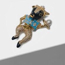 Amorita boutique Enamelled bullheaded knight pin pearl fashion brooch