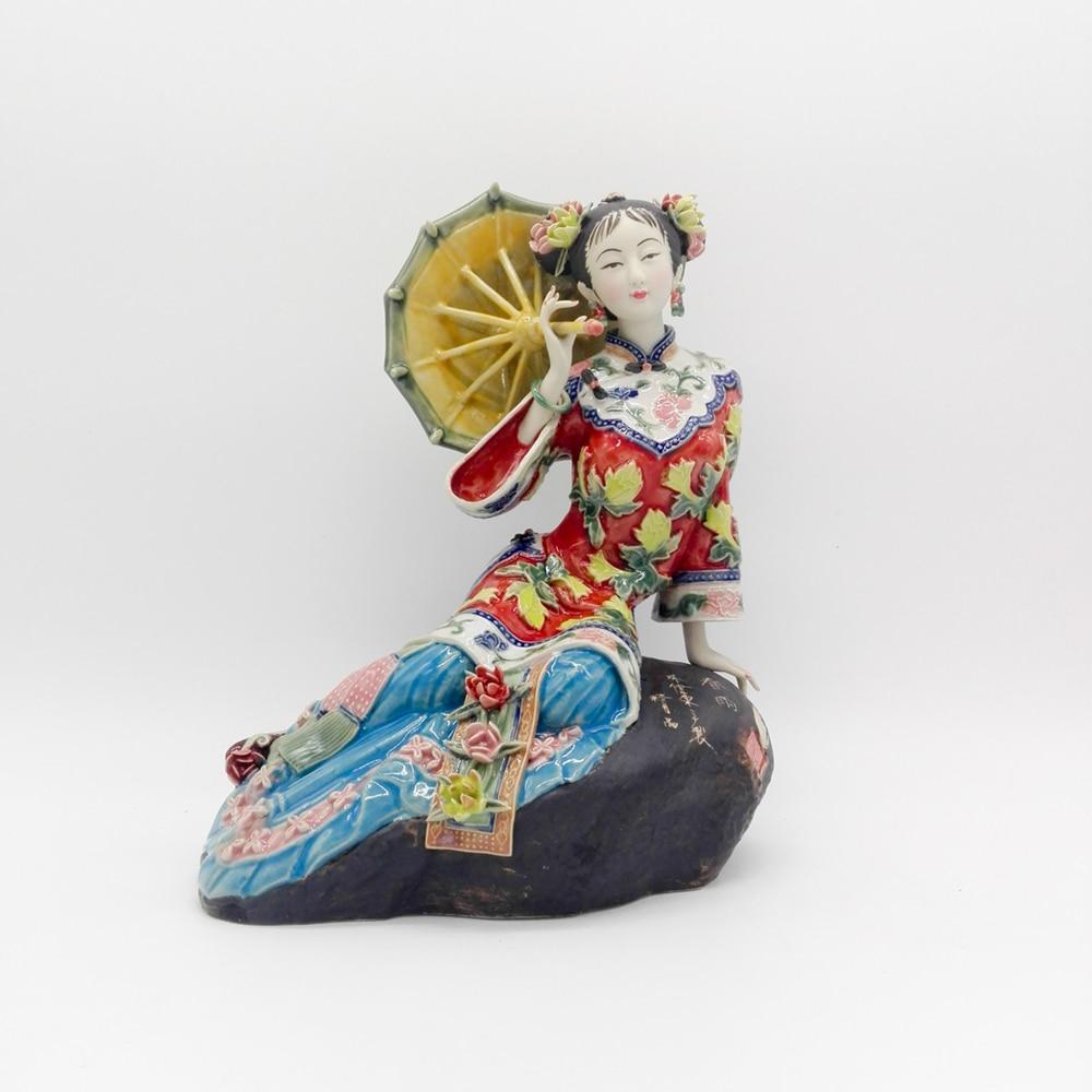 achetez en gros figurines en porcelaine de chine en ligne des grossistes figurines en. Black Bedroom Furniture Sets. Home Design Ideas