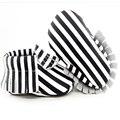 24 pairs/1 пакета(ов) полосы натуральная кожа Детская Обувь Кисточкой Ручной Работы мальчиков Первые Ходоки Ботинки младенца мокасины fringe
