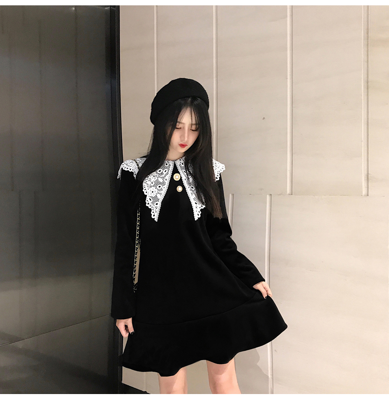 Gothic Style Women Velvet Dresses Black Velour Dress White Crochet Lace Collar Vestidos Mujer Loose Fitting Dress Plus Size (7)