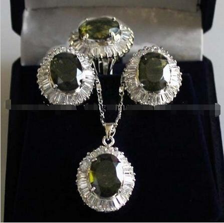 Livraison gratuite New style naturel noble bijoux > > > > facettes Peridot lien boucles d'oreilles / Ring / collier pendentif 18