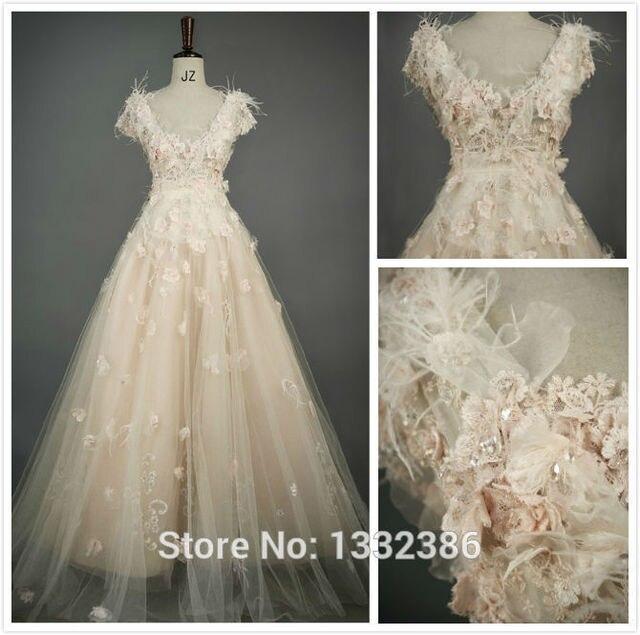 Свадебное платье с 3 д цветами