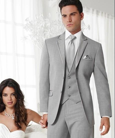 Abito Matrimonio Uomo Grigio : Due pulsanti grigio chiaro vestito collare incisione lo sposo