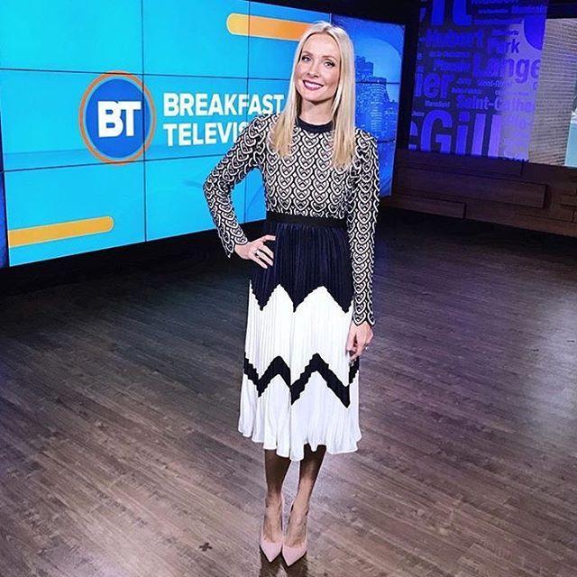 2018 new arrive pleated women dress long sleeve midi lace dresses high quality