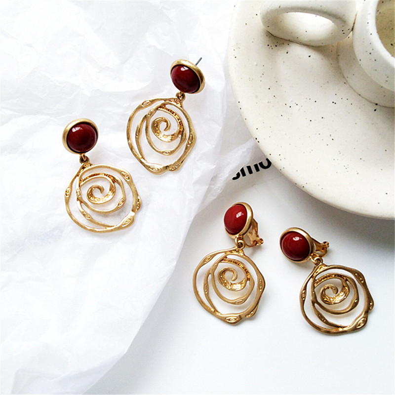 Ms earrings girl simple retro metal golden fashion statement jewelry earring for birthday party
