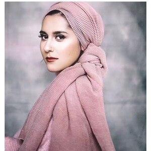 Image 1 - Miya Mona Plain Baumwolle frauen Hijabs Weibliche Mode Warme Welle Faltig Muslimischen Wrap Hijab Einfache Solide Plain Schal Kopftuch