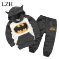 LZH Baby Boys Clothing Sets Girls Clothes Set 2017 Spring Girls Clothes Hoodies+Pants Kids Sport Suit Batman Children Clothing