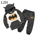 LZH Bebé Boys Que Arropa la Ropa de Las Muchachas Fijó 2017 Muchachas Del Resorte de la Ropa de los Hoodies + Pants Niños Deporte Traje de Batman Para Niños ropa