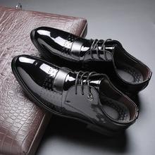 Fashion Men Dress Shoes Patent Leather Oxford Shoes Lace Up Casual Business Formal Men Shoes Brand Men Wedding Shoes Big Size