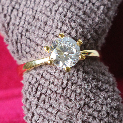 Solid 24K Yellow Gold Color Korean Fashion 6 Prongs Setting 0 6CT SONA Simulate Diamond Engagement