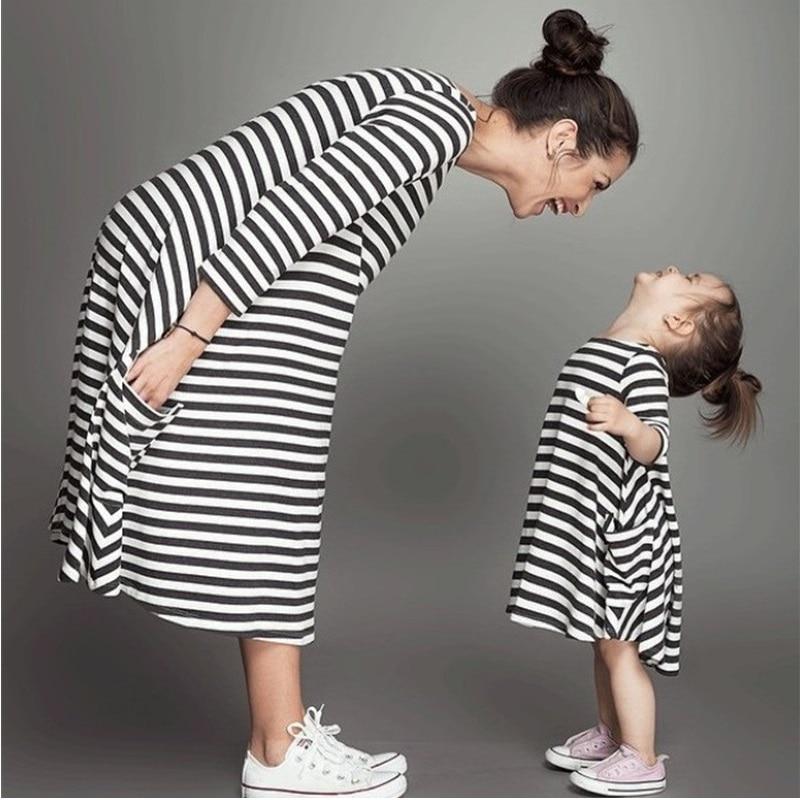 Mode mom und kinder paar look streifen familie passenden outfits Baby Mädchen kleidung kleid mutter tochter Kinder kleid kleidung