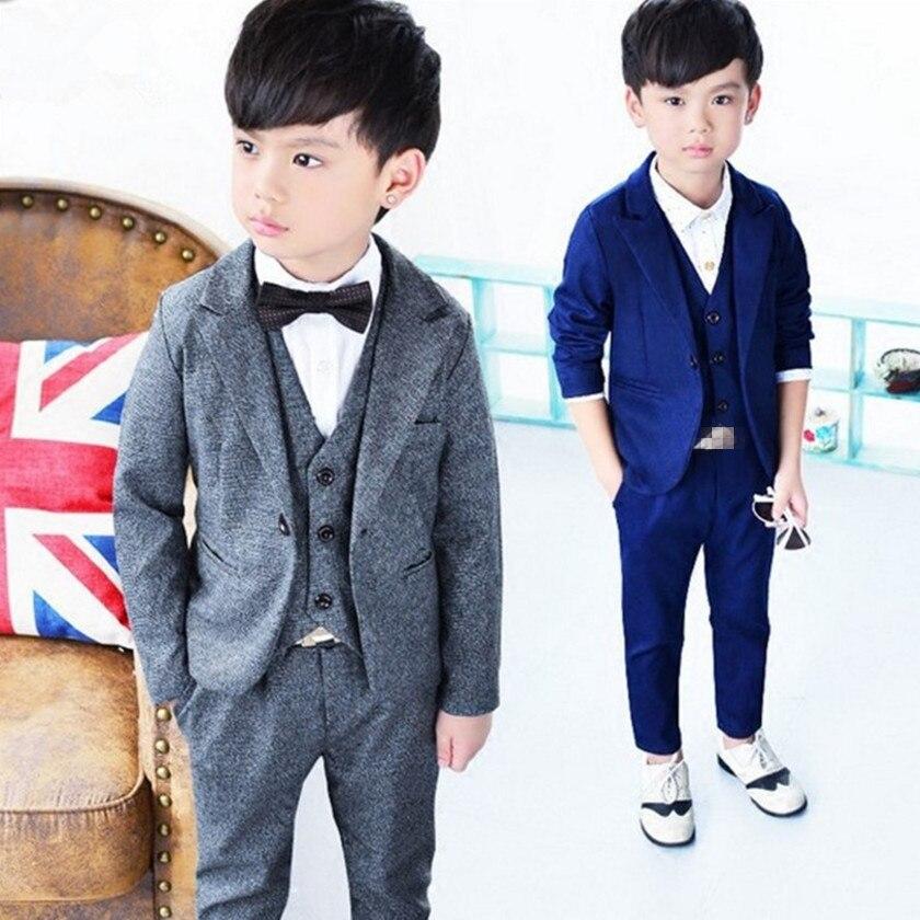 купить 2018 Kids 3PCS Formal Suits with Bowtie Flower Boys Party Tuxedos Costume Suits New Boys Gray Blazer Weddings Suits Hots S84648A по цене 1918.89 рублей