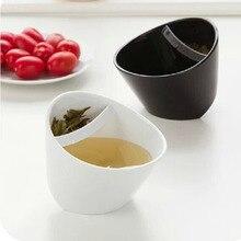 Top Grade schwarz und weiß Kunststoff Tilt Tasse schräge Herbst Smart Teetasse Becher mit Tee-Ei drink Wasser Tasse Kippen Teetasse