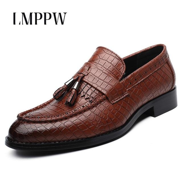 652f9c5024 Zapatos de vestir para hombre de marca de lujo zapatos Oxford con borlas  formales zapatos deslizantes