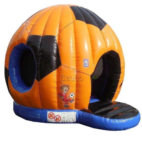 T317 Бесплатная доставка + воздуходувки надувные прыжки замок/Футбольная Форма Надувной Батут Прыжки Отказов Дом Для Продажи