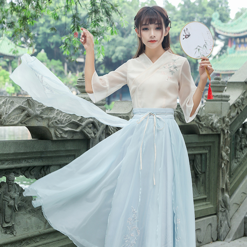 2017 New Summer Vintage Flare Sleeve V-Neck 5287 Hanfu Embroidered Blouse Shirt 2651