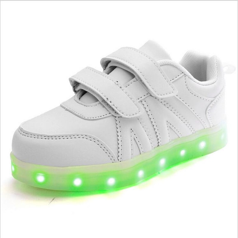 2016 New Fashion Sneaker With LED Lights Colorful Running Casual Shoes for Kids Children Boys and Girls Enfant Walking Shoes PU 0
