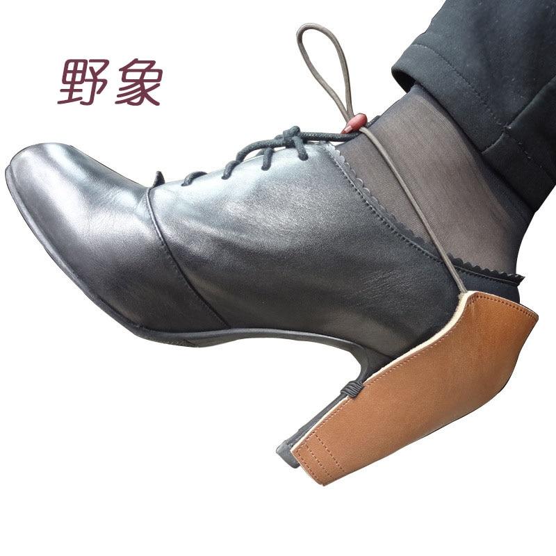 A magas sarkú cipők forró értékesítési cipőjellel védő cipője a cipő sarokcsiszolásának megelőzésére a műanyag műanyag sarokvédő számára