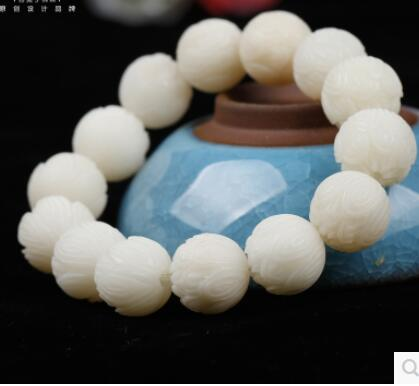 Factory for hand-carved lotus white gem Bodhi root single-loop bracelet lotus flower core beads