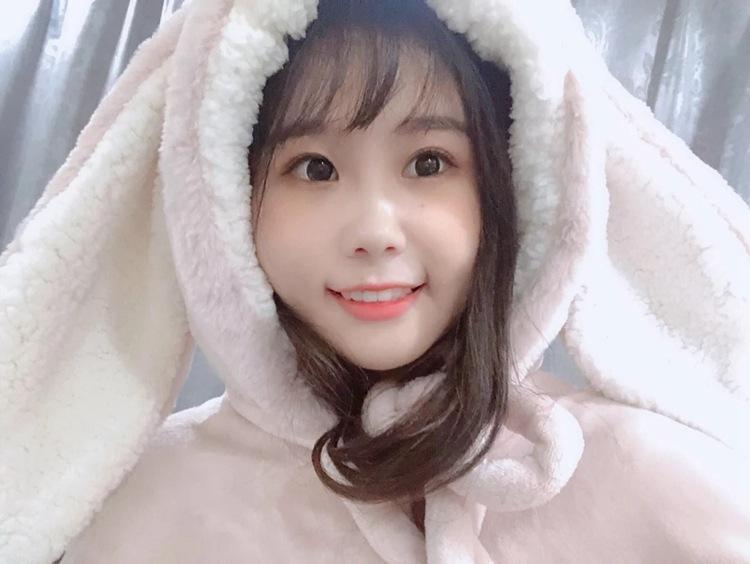 Cute Pink Comfy Blanket Sweatshirt Winter Warm Adults and Children Rabbit Ear Hooded Fleece Blanket Sleepwear Huge Bed Blankets 94