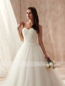 Image 5 - Ball Gown Strapless Tulle Wedding Dress Lace Fitted Bridal Dress with Court Train Wedding Gowns Vestido De Noiva 2021